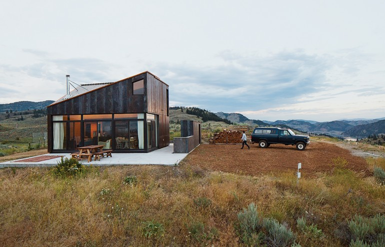 Off-the-Grid Prefab Cabin Completely in Tune with Surroundings