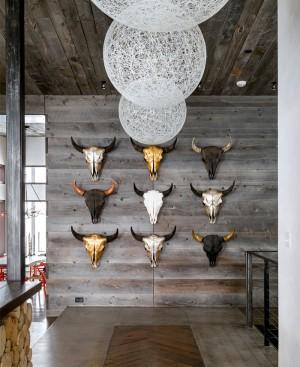 Rustic Luxury Mountain House – InteriorZine