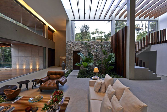 Tropical Garden Residence in Brazil – InteriorZine