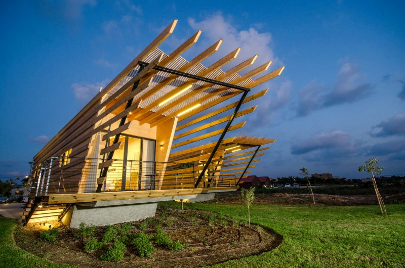 Wooden Bungalows Built with Prefabricated Elements