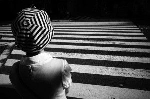 Black and White Street Photography by Tadashi Onishi
