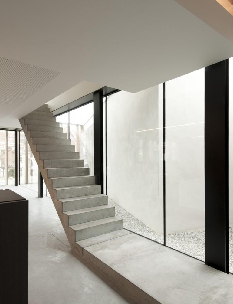 Office Solvas by Graux and Baeyens Architecten