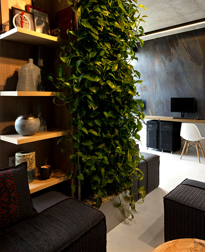 Integrated Green Wall at New Office of Yakusha Design – InteriorZine