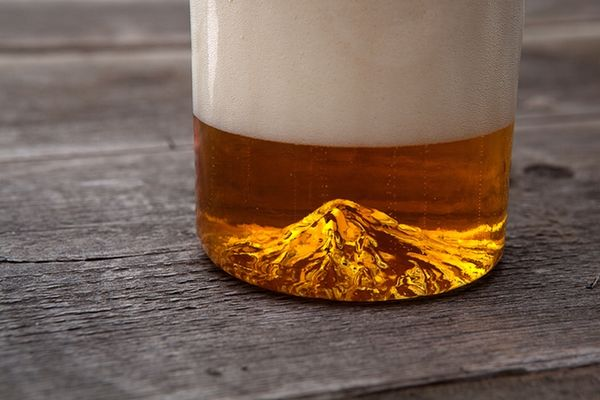 Mt hood the Oregon Pint glass
