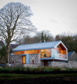 Loughloughan Barn / McGarry-Moon Architects