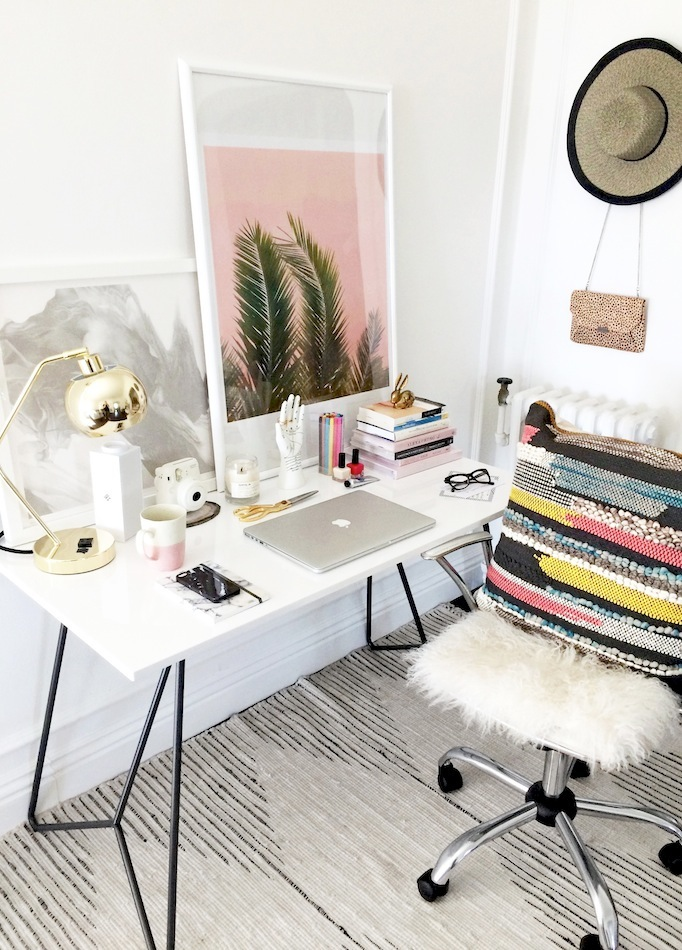 Elements for a stylish and whimsical work space on for Stylish office table