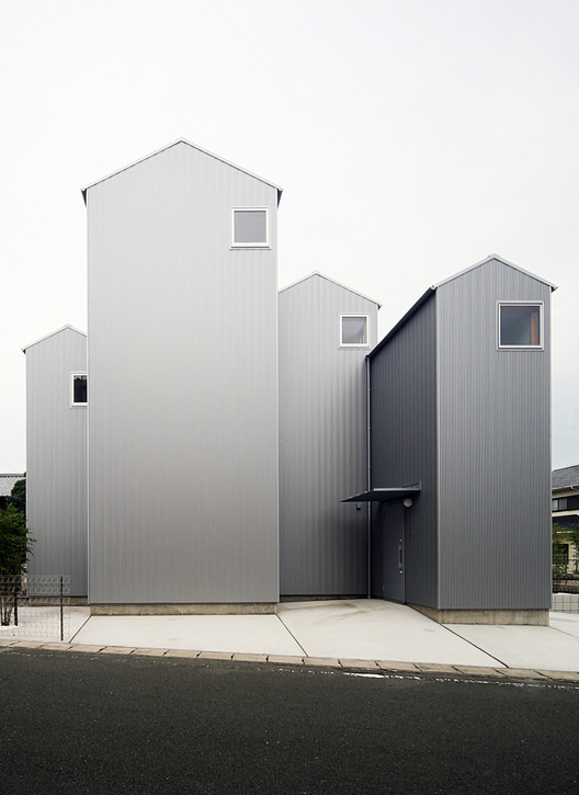 House in Kossi / Shuhei Goto Architects