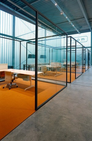 Glass office partition STRIJKERS PARTITION SYSTEM by Lensvelt design