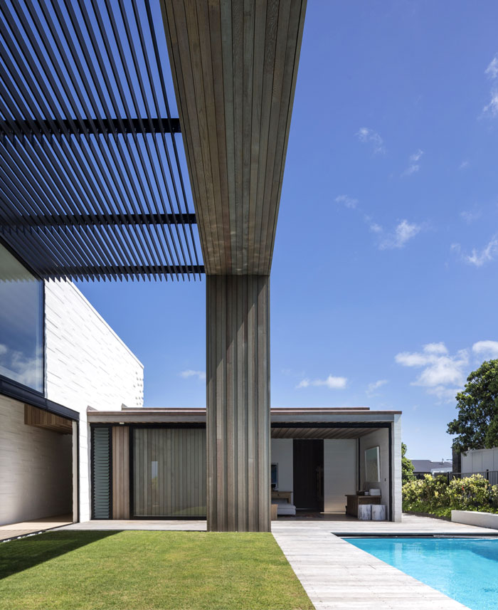 Tuatua House – Family Vacation Home by Julian Guthrie