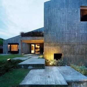 Em concreto por Lapli Architects em Pura