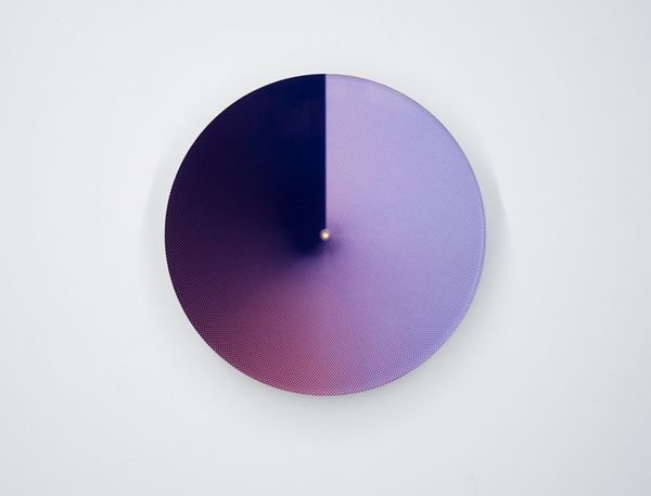 Atmosphere spectrum clock by Daan Spanjers