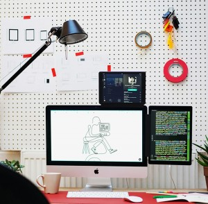 oscar diaz studio's pixo tablet mount for desktop displays