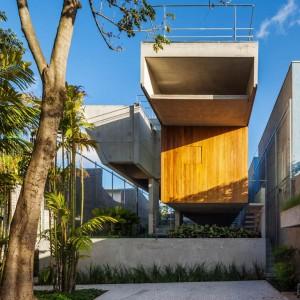 Concrete Weekend House in Downtown São Paulo