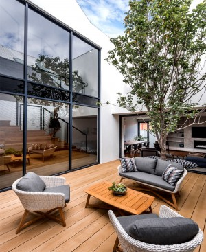 Residence by Keen Architecture