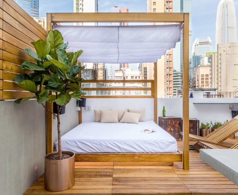 Hong Kong Cramped Flat Converted in a Eco High Tech Rooftop Retreat