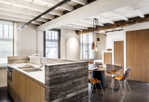 Renovation by JUMA Architects