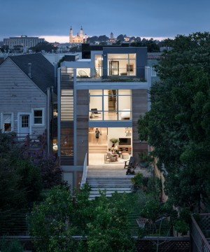 San Francisco house is a sign that it was designed for a playful young family