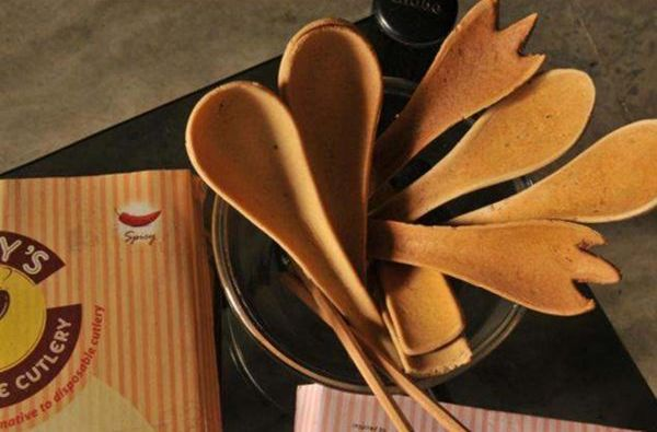 To prevent plastic waste, Bakeys produced edible cutlery
