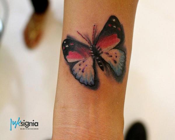 tattoo studio and nail bar