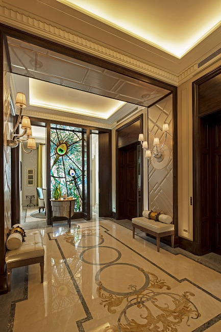 Ave. Montaigne, Paris – Luxury Apartment by Louis Henri