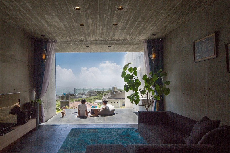 House with Panoramic Ocean View in Okinawa / CLAIR Archi Lab