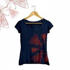 T-shirts Moth
