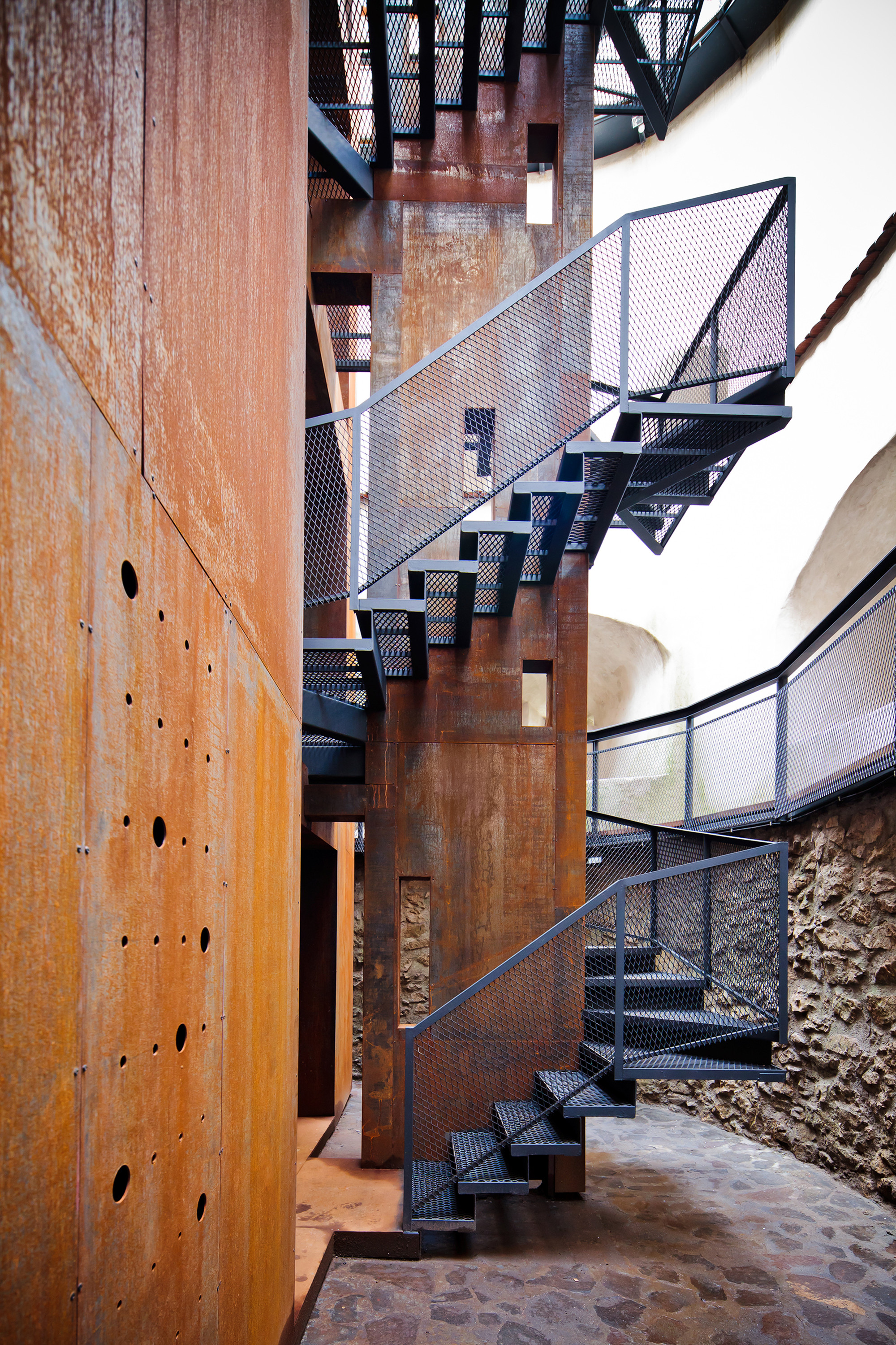 Brasov tower point 4 space on inspirationde for Stair tower