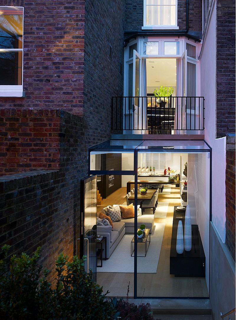 Kensington Town House – Complete Rebuild by Rodic Davidson Architects