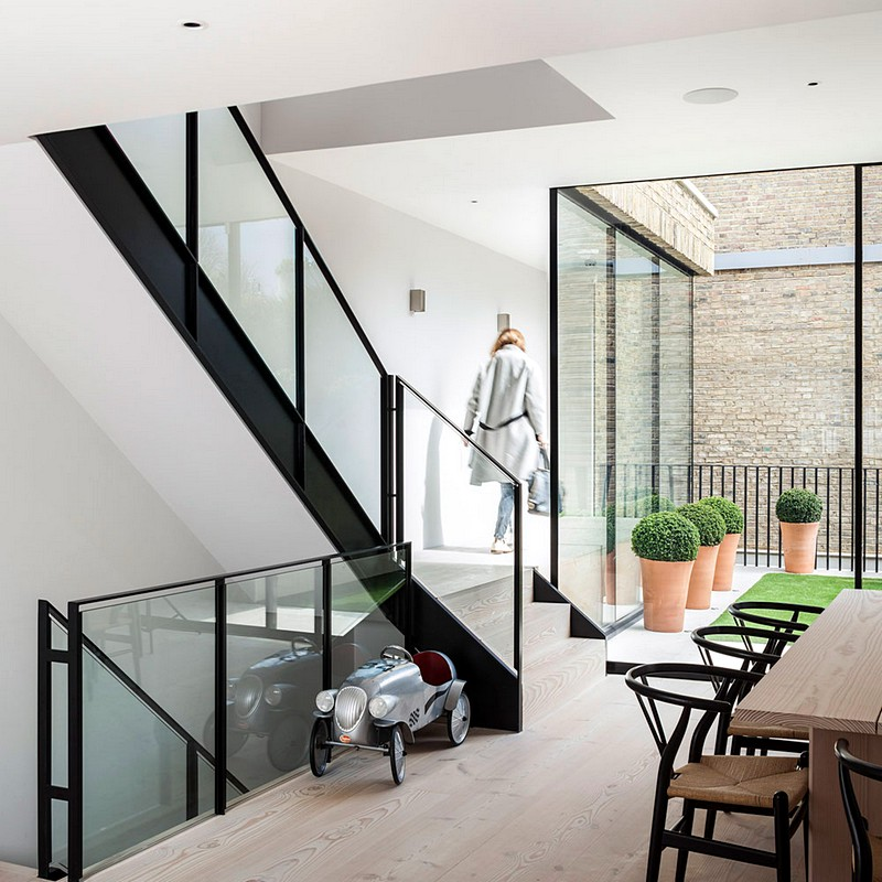 Moore Park House – Full Rebuild and Extension by Jo Cowen Architects