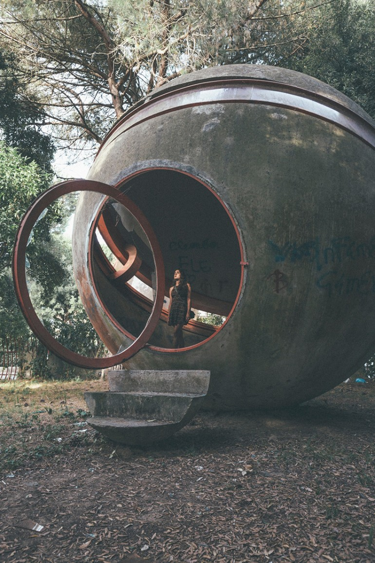 oliver astrologo photographs the ruins of casa sperimentale
