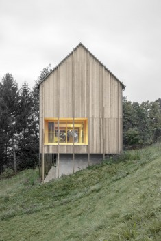 Bernardo Bader . Stürcher forest House
