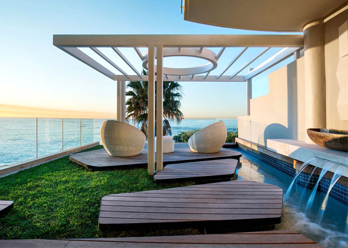 Modern Holiday Escape by ARRCC