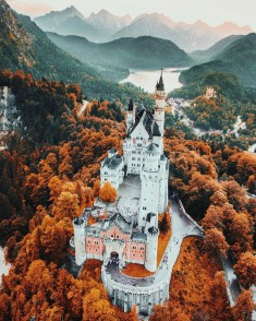 Neuschwanstein Castle by Jacob Riglin