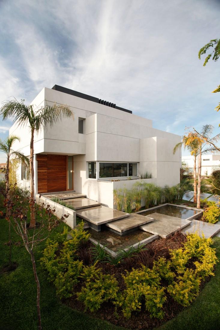 Casa Del Cabo by Andres Remy Arquitectos