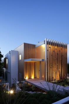 Brown Vujcich House / Bossley Architect's