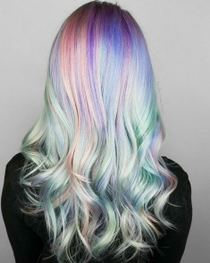 Holographic Hair Trend 2017 – The Hottest Hair Trend of 2017