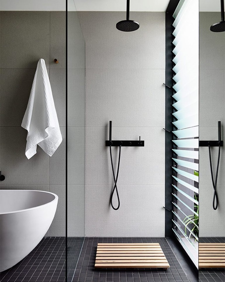 The light and airy bathroom on inspirationde for Architecture 770