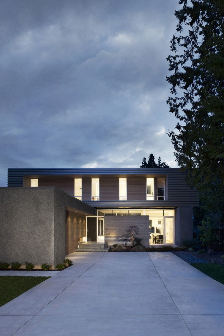 South Surrey House by Campos Leckie Studio