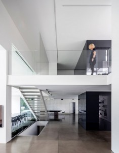 Black Core House by Axelrod Architects / Tel Aviv