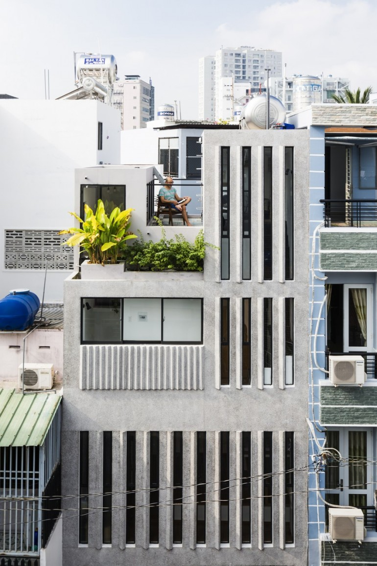 Narrow Vertical Home Maximizes Light and Space in Ho Chi Minh City, Vietnam