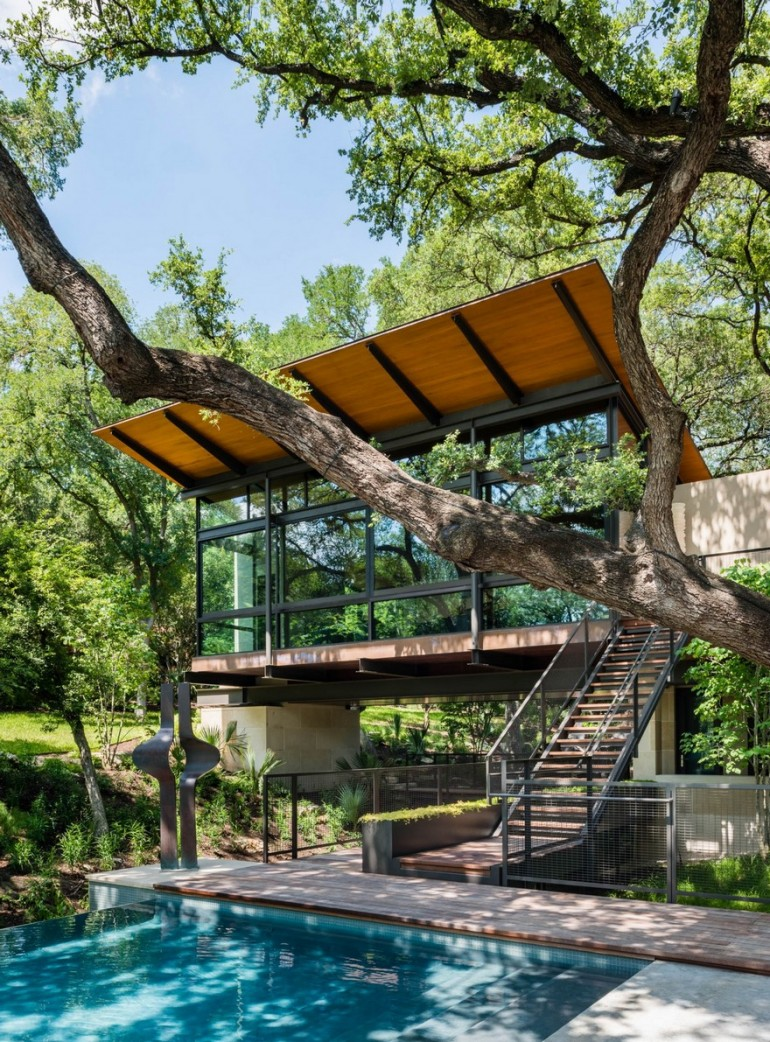 A San Antonio Retreat Designed as a Peaceful Escape from the Busy City