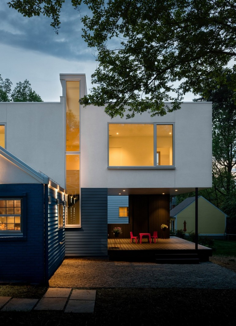 Contemporary Box-Shaped Extension for a Bungalow Home in Maryland