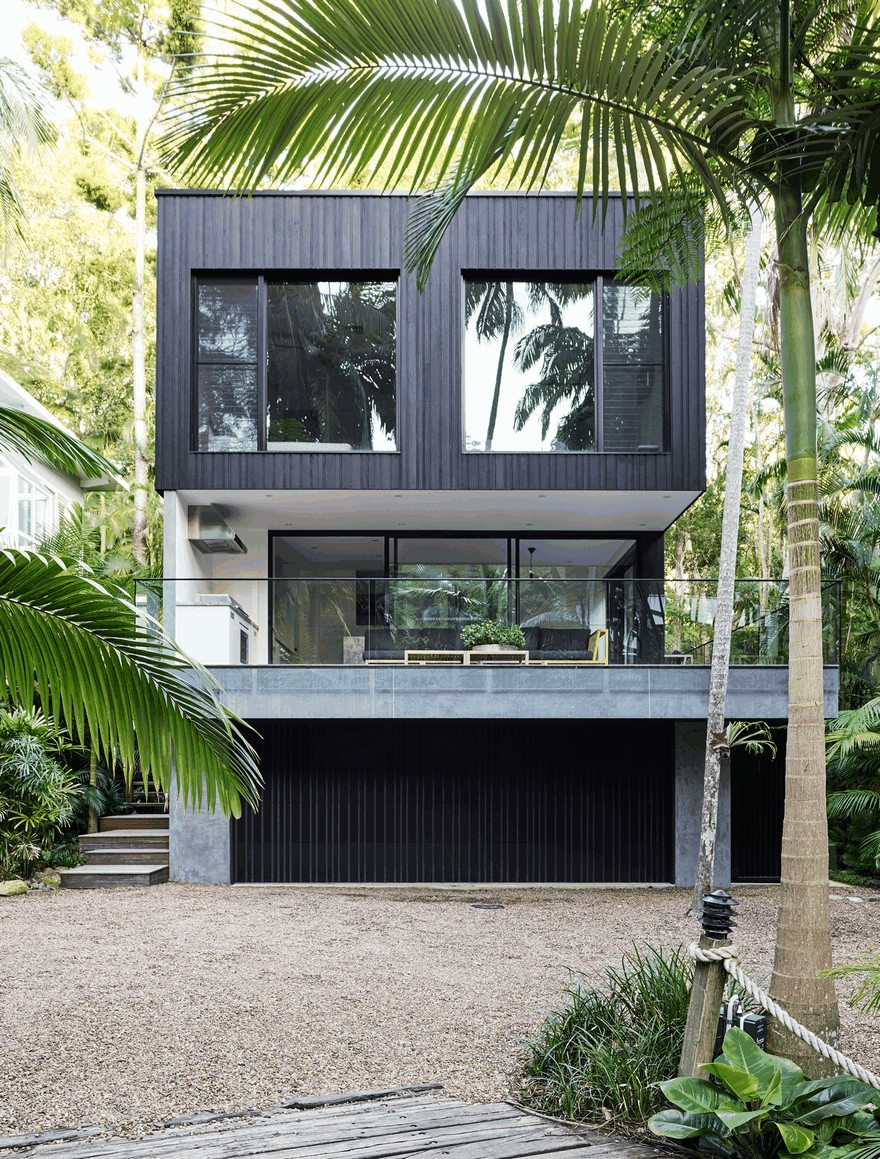 Modern Coastal House Nestled in the Lush Australian Rainforest on