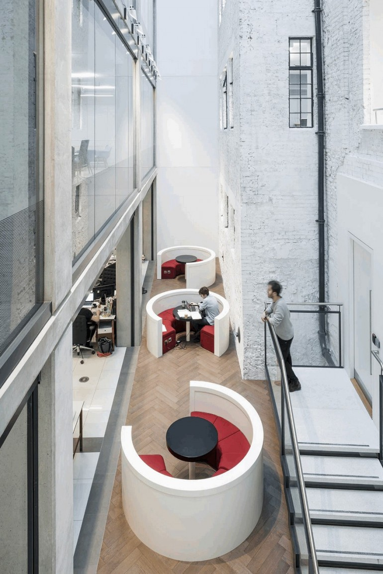 New London Office for Saatchi & Saatchi by Jump Studios