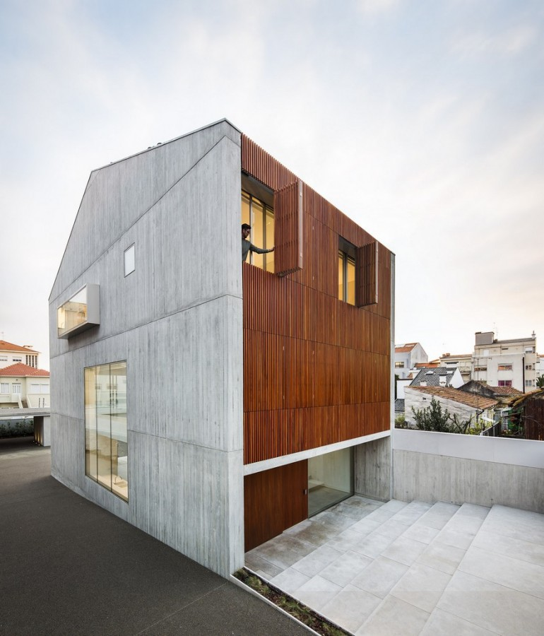 Reconstruction of Family House Originally Built in 70's in Porto, Portugal