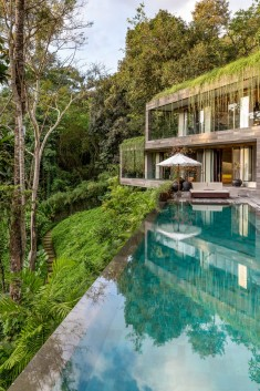 Villa Chameleon Features Breathtaking Views in the Balinese Jungle