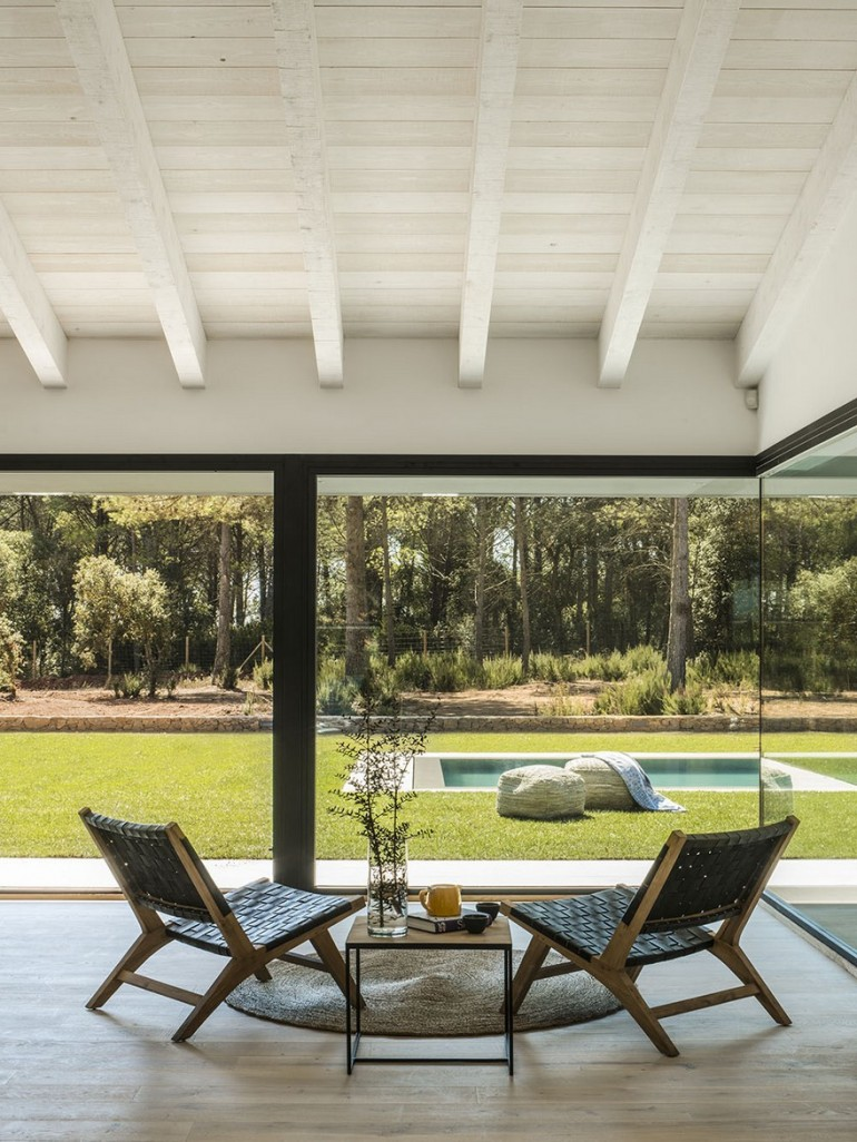 Oxygen House in Costa Brava / Susanna Cots Interior Design