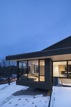 Vingt House / Bourgeois Lechasseur Architects