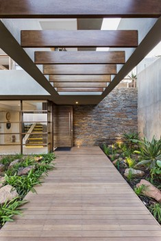 6 Leadwood Loop / Metropole Architects