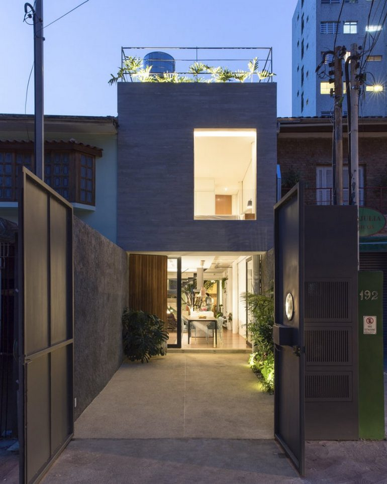 Casa Piraja in Sao Paulo Renovated by Estudio BRA